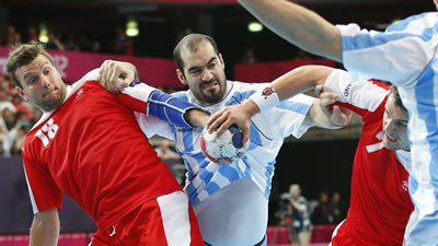 querin-handball.jpg